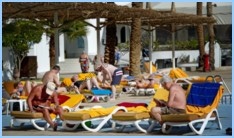 Foreign tourists enjoying their holiday in the seaside resort Sharm el Sheikh, Egypt